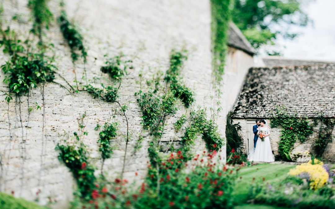 Caswell House Oxford Wedding Photography – Emma & Pete