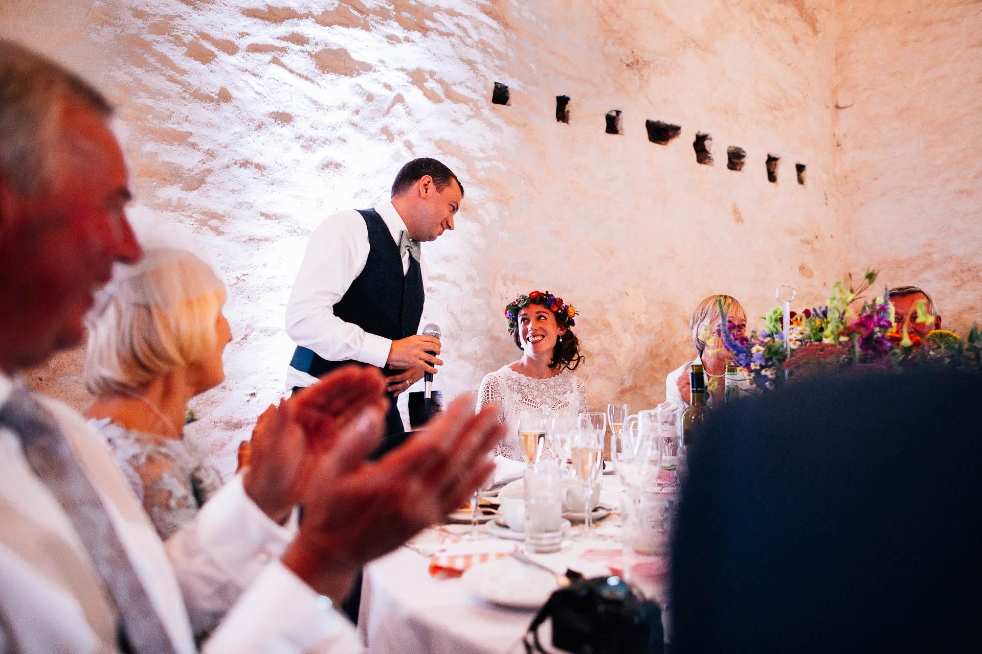 winterbourne-medieval-barn-wedding-photography-emma-andrew-105