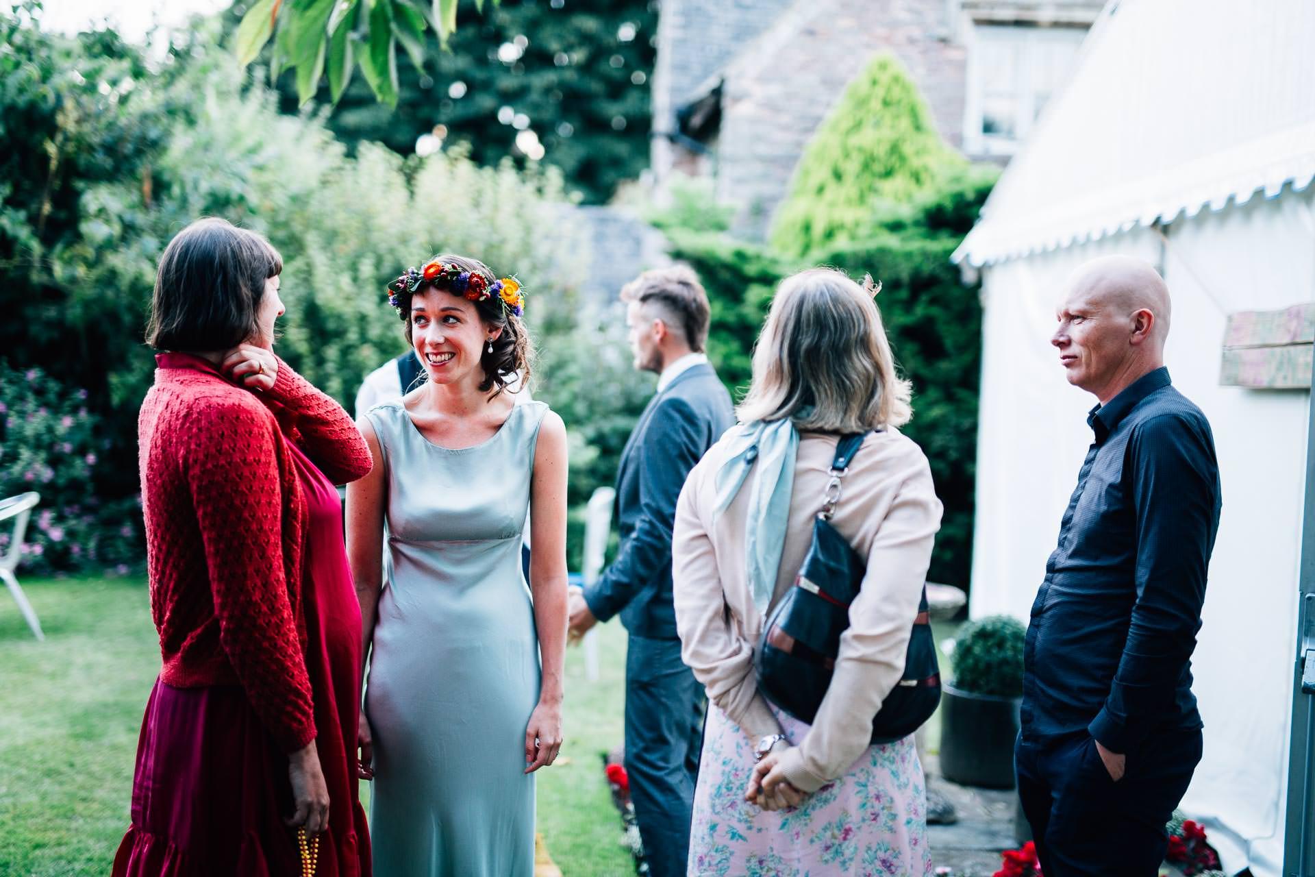 winterbourne-medieval-barn-wedding-photography-emma-andrew-107
