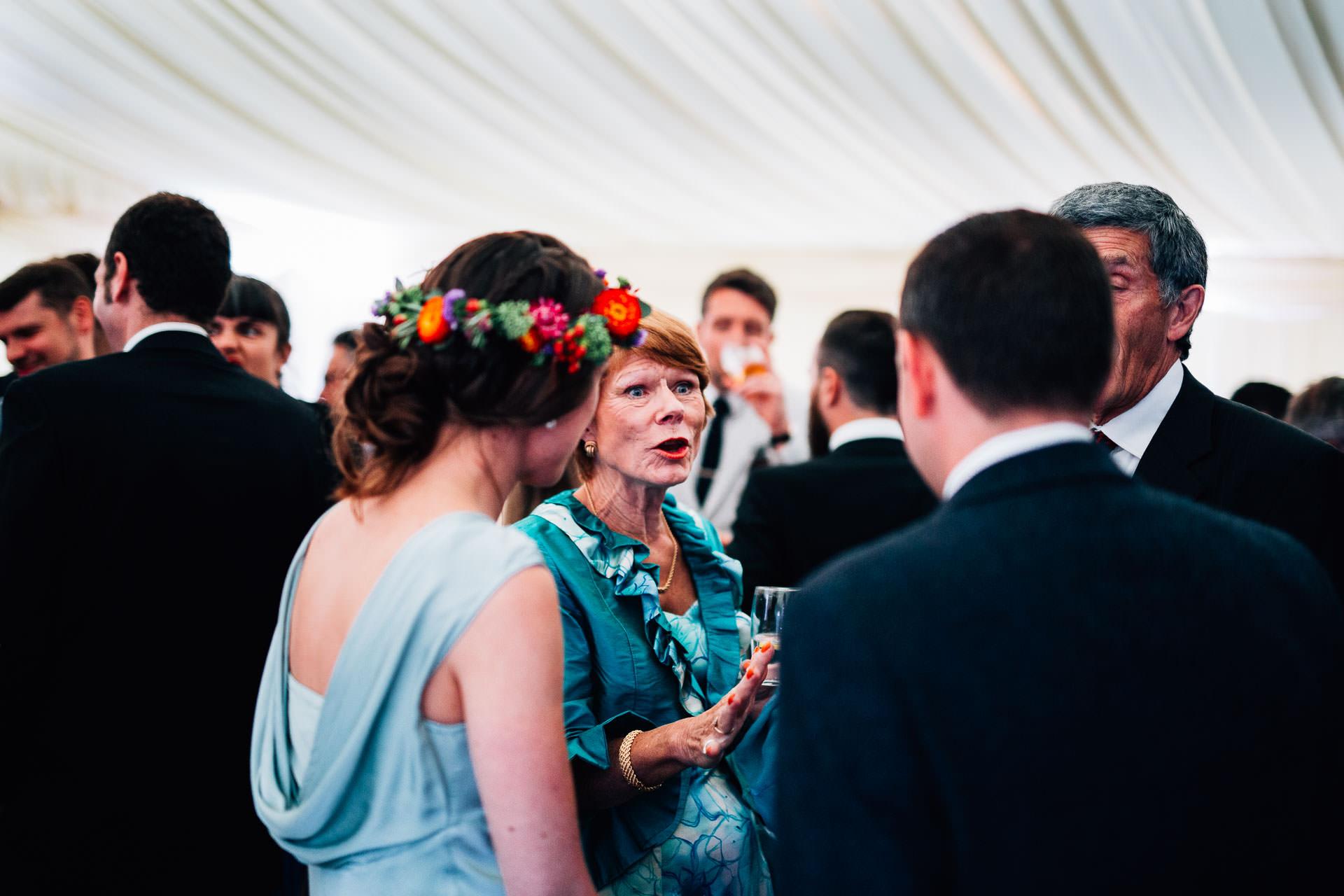winterbourne-medieval-barn-wedding-photography-emma-andrew-109