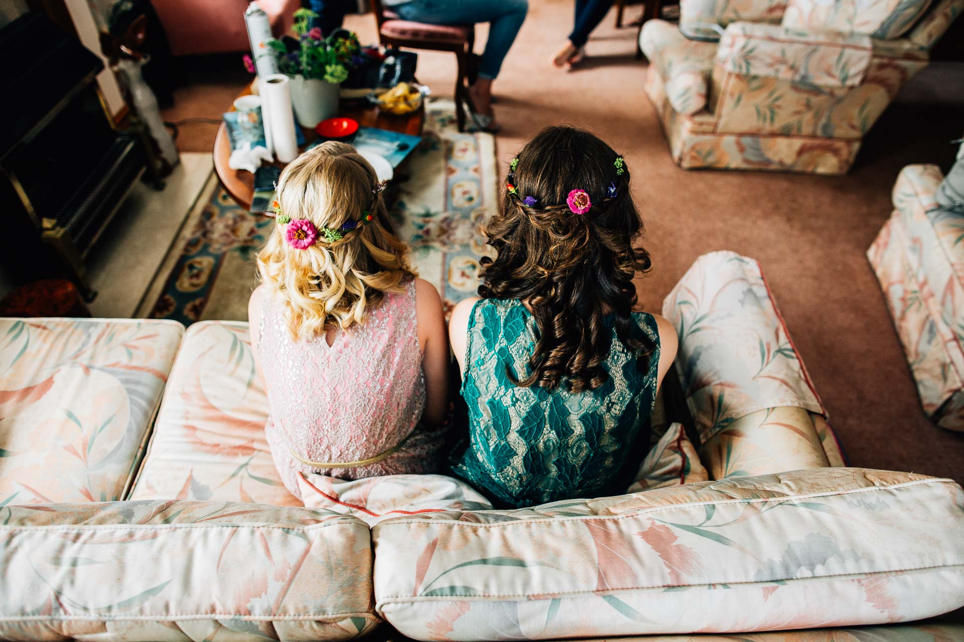 winterbourne-medieval-barn-wedding-photography-emma-andrew-3