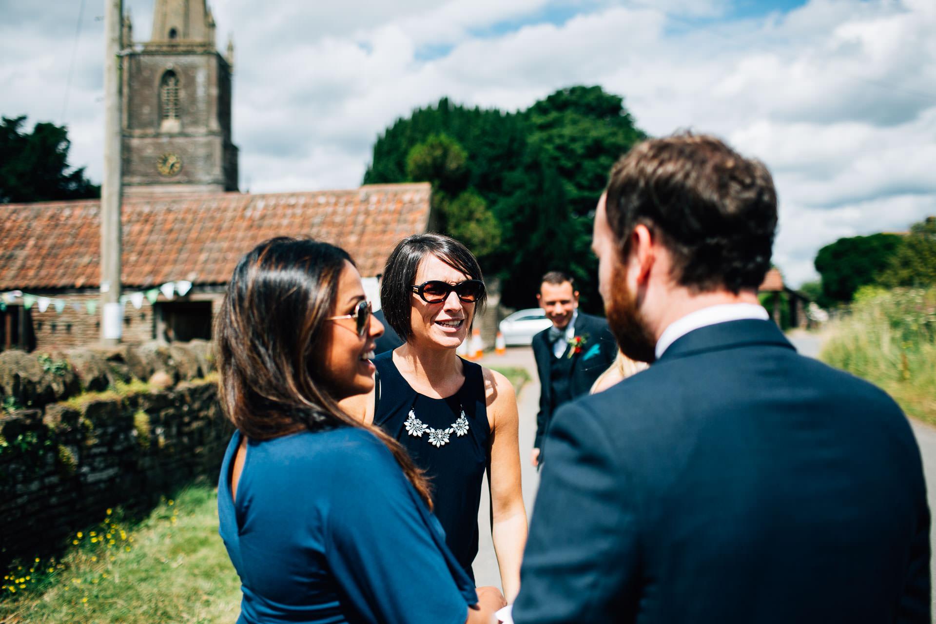 winterbourne-medieval-barn-wedding-photography-emma-andrew-32
