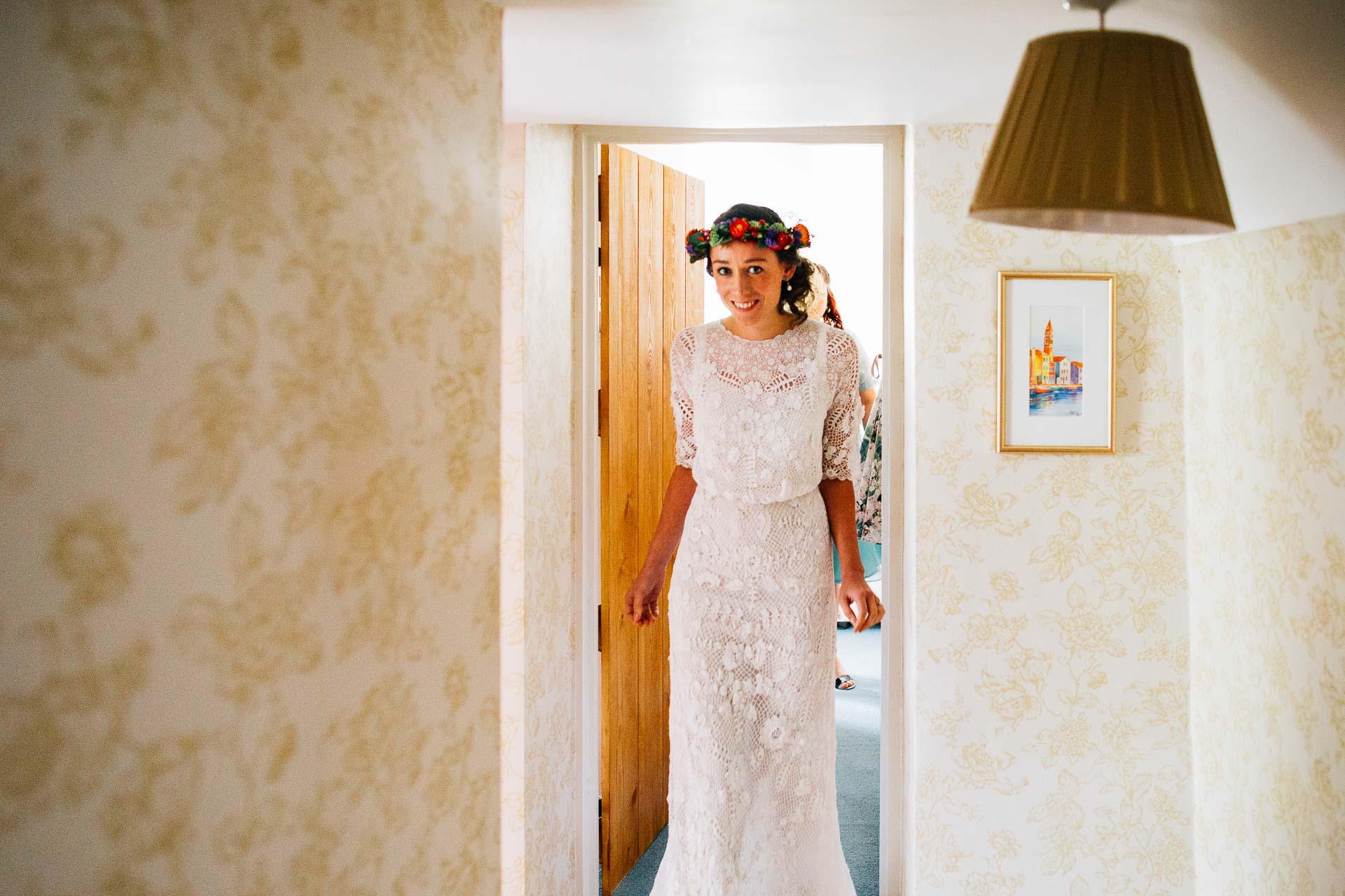 winterbourne-medieval-barn-wedding-photography-emma-andrew-47