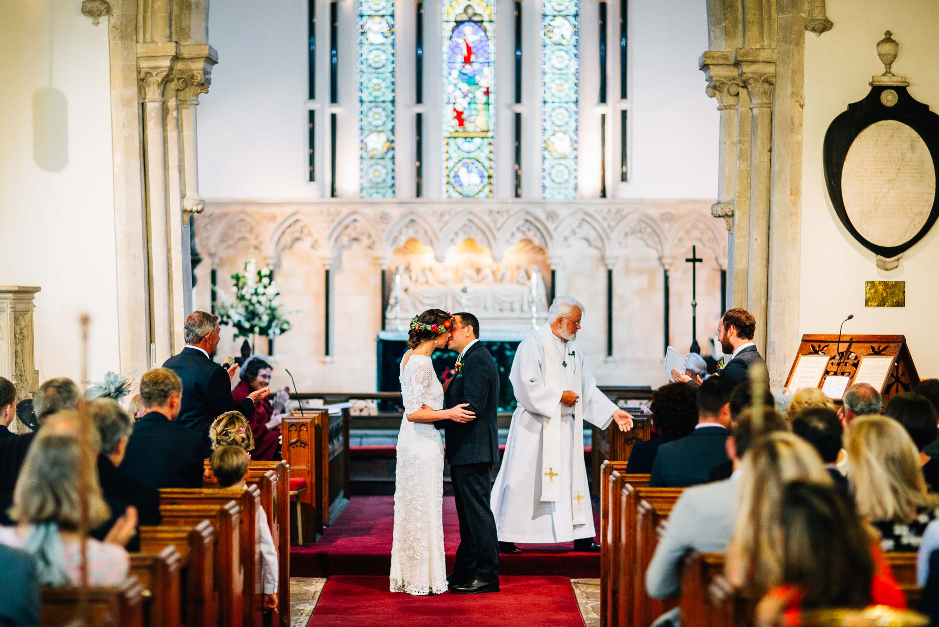 winterbourne-medieval-barn-wedding-photography-emma-andrew-56