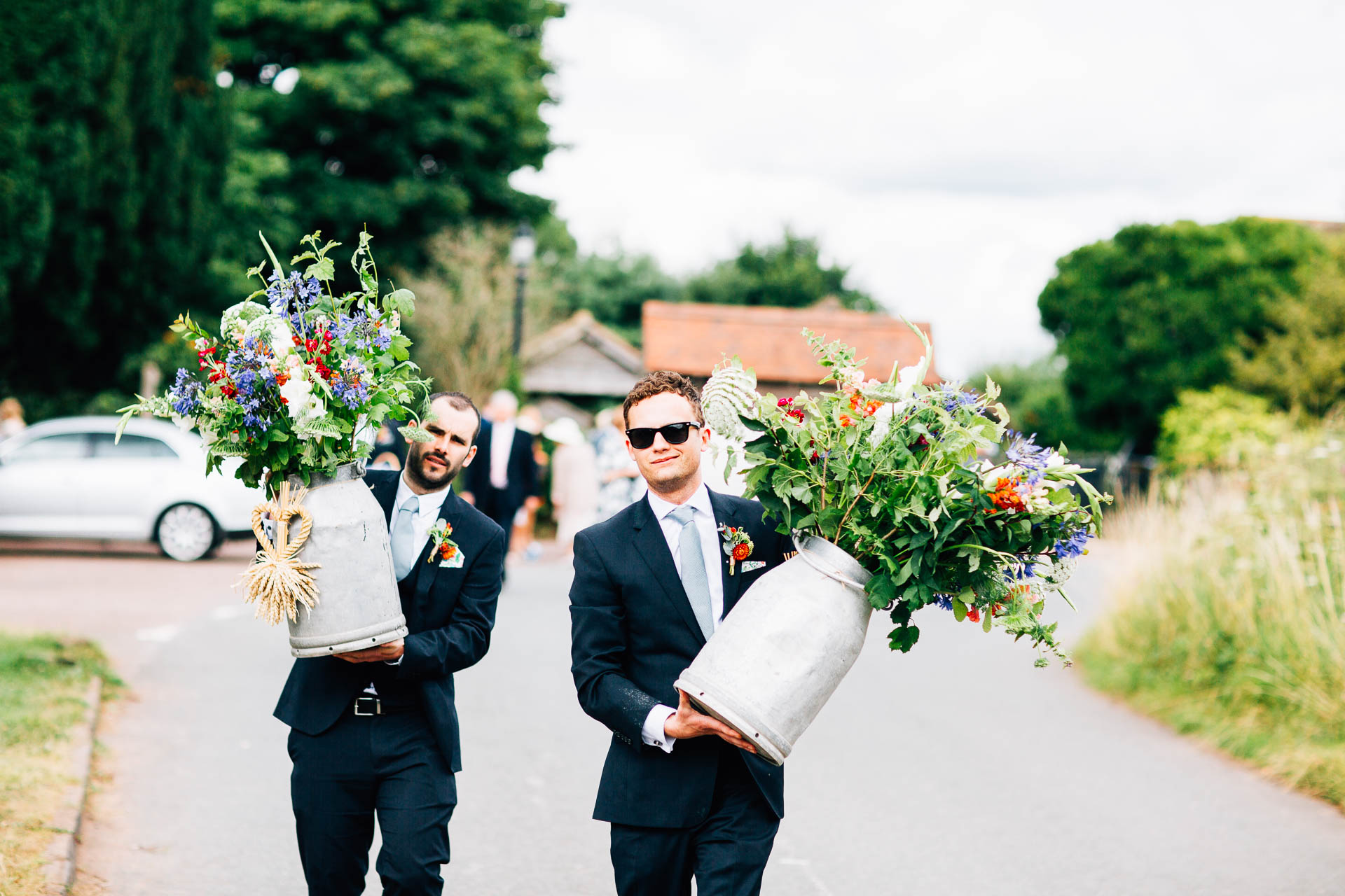 winterbourne-medieval-barn-wedding-photography-emma-andrew-69