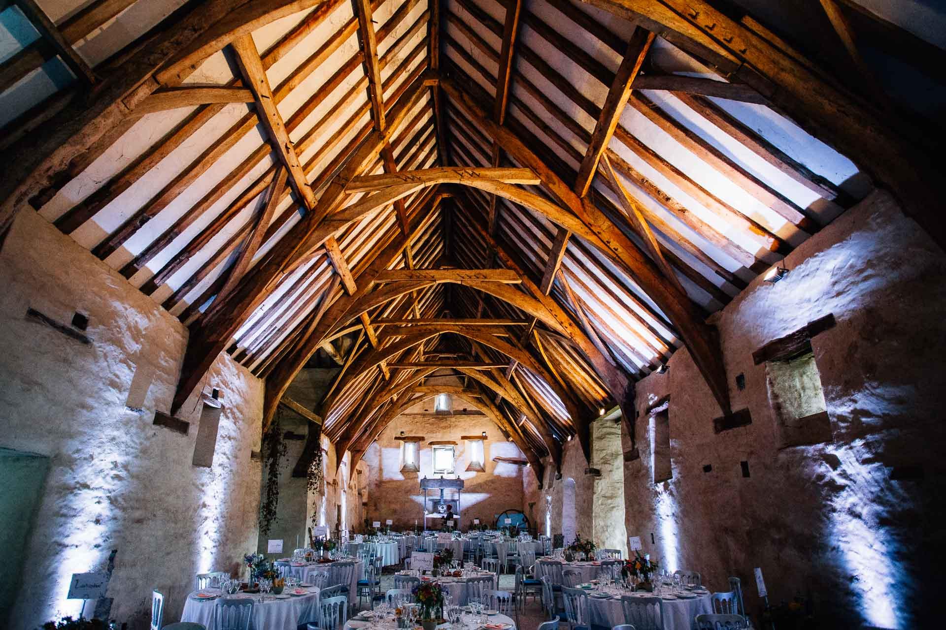 winterbourne-medieval-barn-wedding-photography-emma-andrew-72