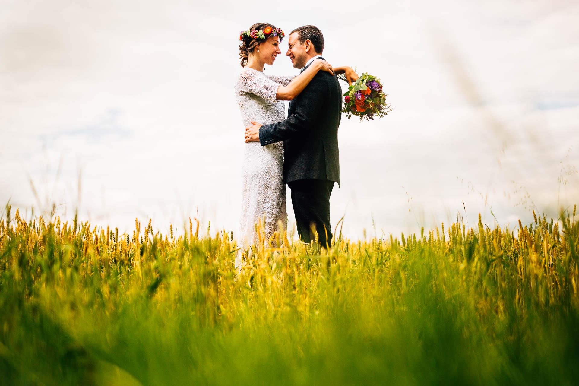 winterbourne-medieval-barn-wedding-photography-emma-andrew-79