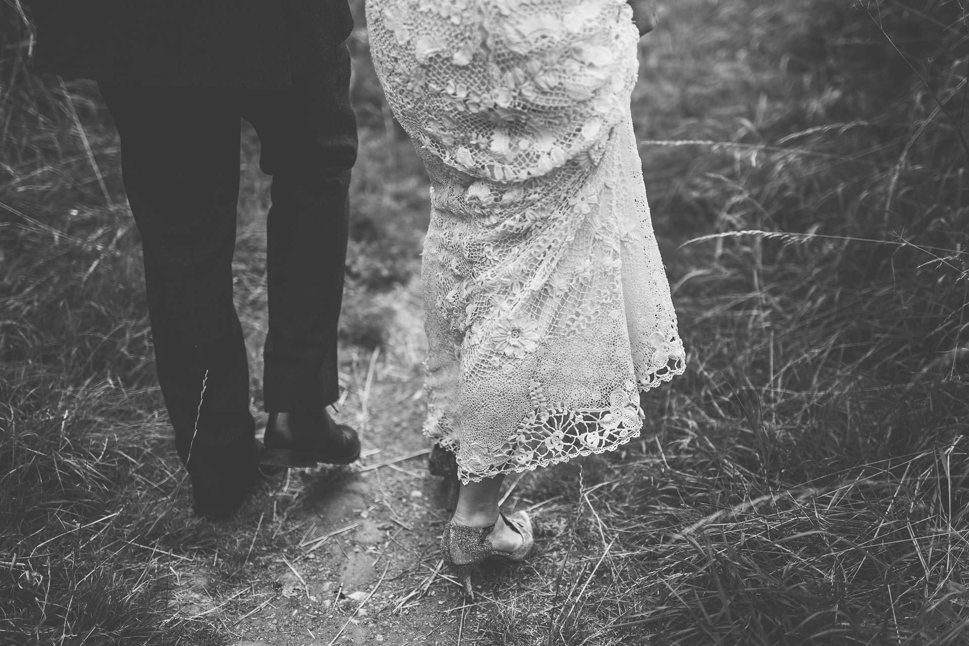 winterbourne-medieval-barn-wedding-photography-emma-andrew-85