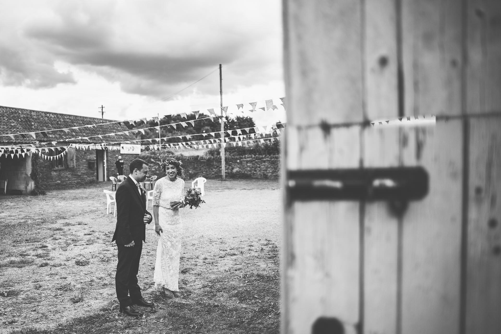 winterbourne-medieval-barn-wedding-photography-emma-andrew-88