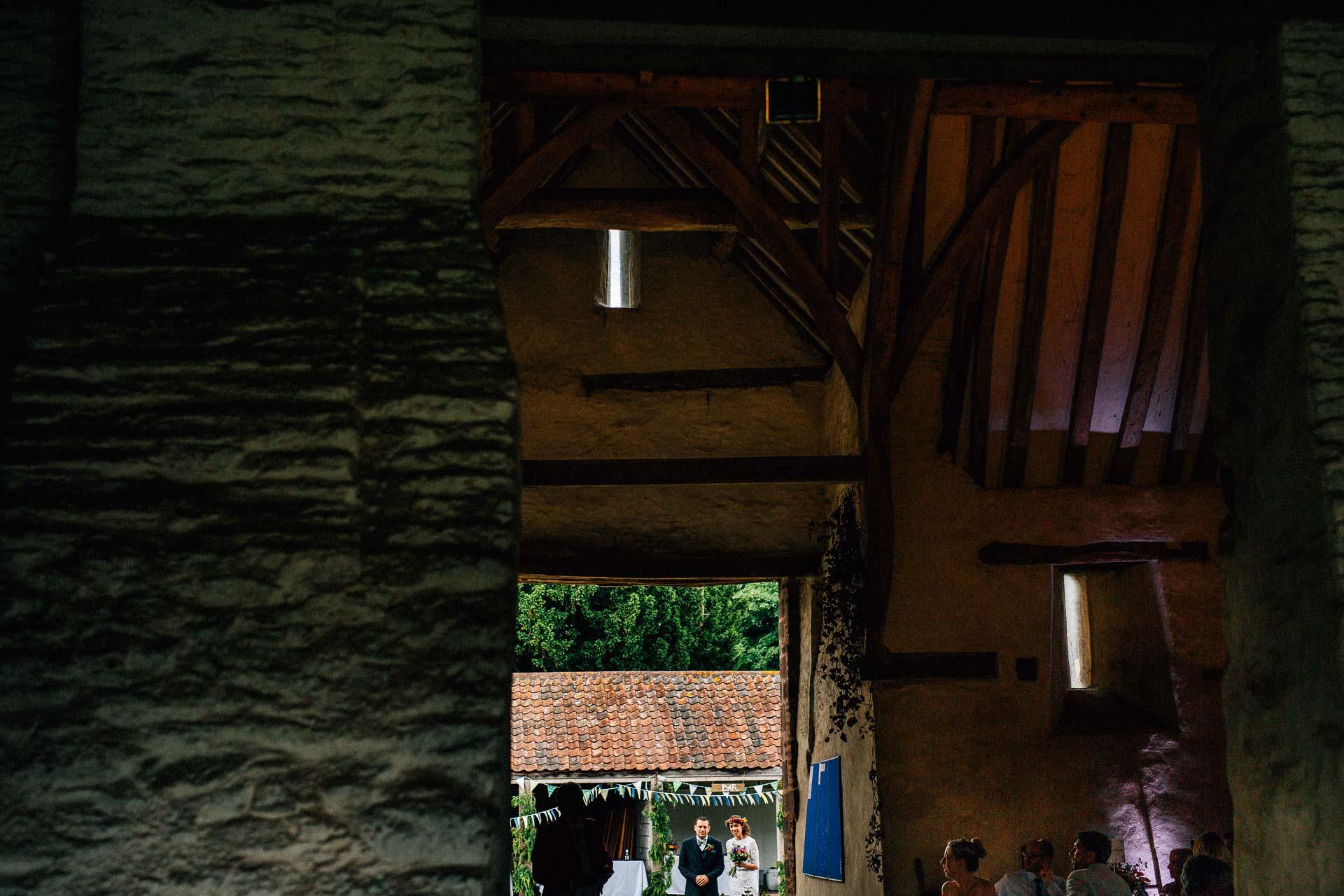 winterbourne-medieval-barn-wedding-photography-emma-andrew-89
