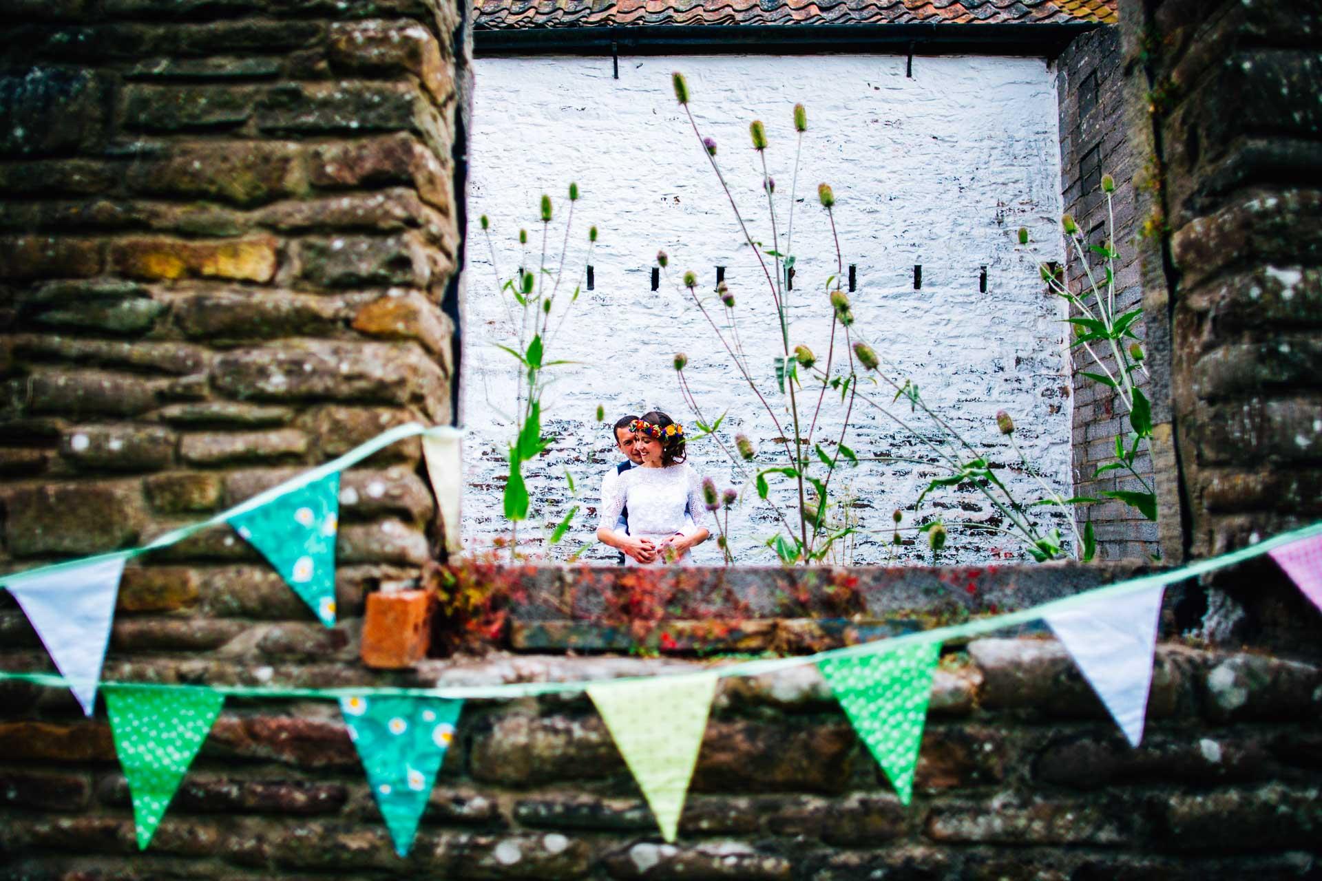 winterbourne-medieval-barn-wedding-photography-emma-andrew-90
