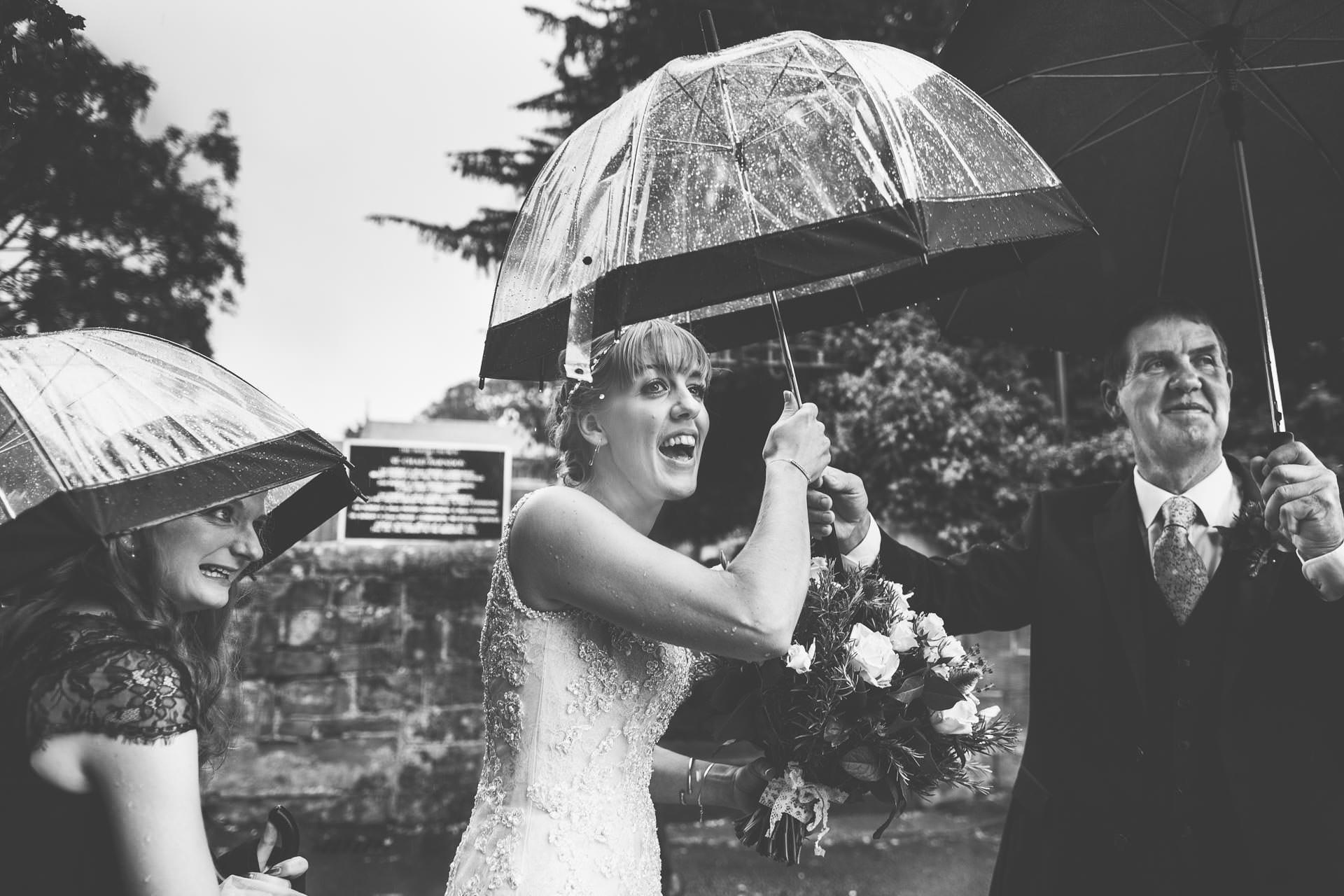 cheshire-rustic-farm-wedding-photography-helen-simon-112