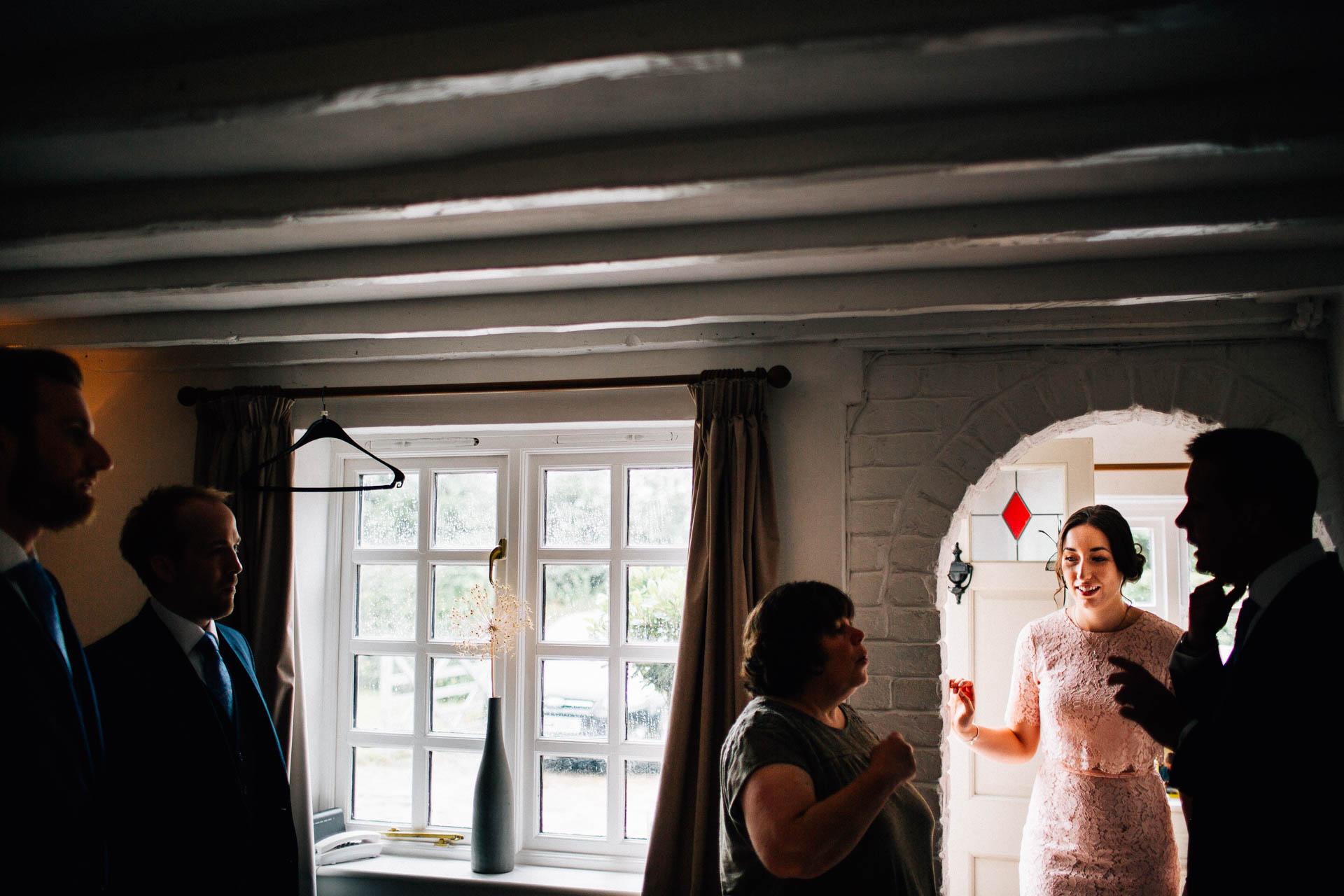 cheshire-rustic-farm-wedding-photography-helen-simon-13