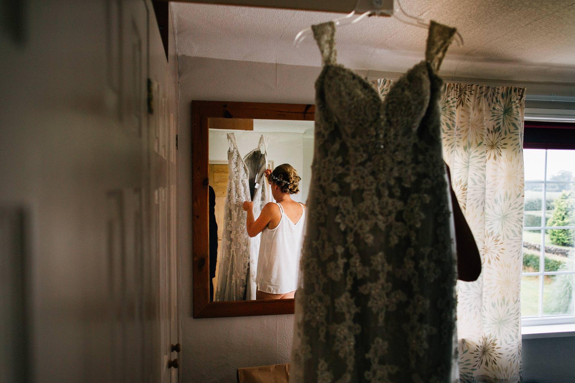 cheshire-rustic-farm-wedding-photography-helen-simon-15
