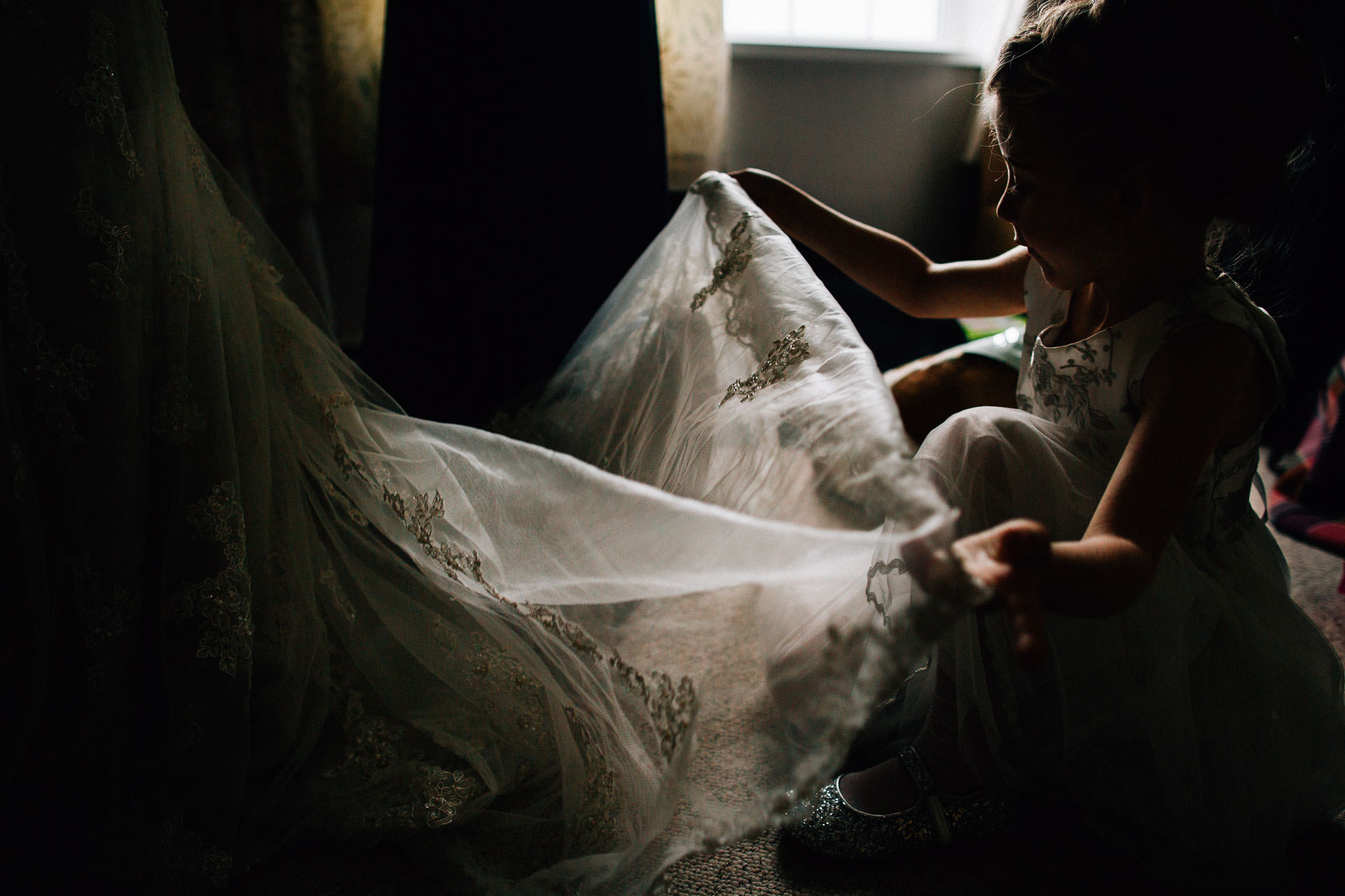 cheshire-rustic-farm-wedding-photography-helen-simon-16