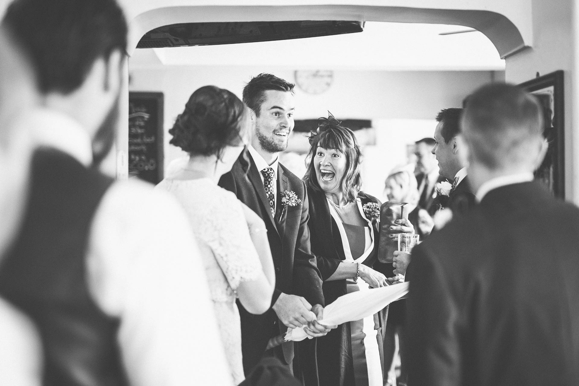 cheshire-rustic-farm-wedding-photography-helen-simon-22