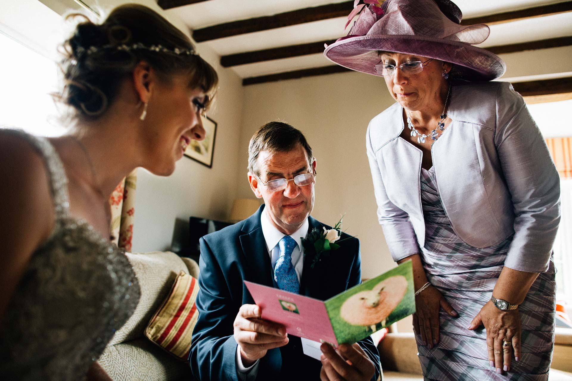 cheshire-rustic-farm-wedding-photography-helen-simon-27