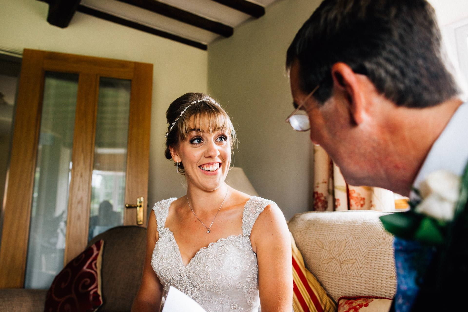 cheshire-rustic-farm-wedding-photography-helen-simon-28