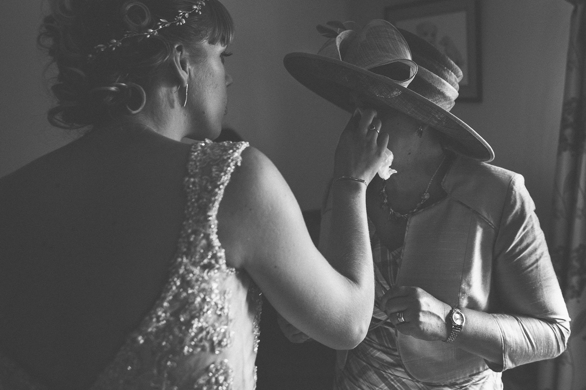 cheshire-rustic-farm-wedding-photography-helen-simon-29