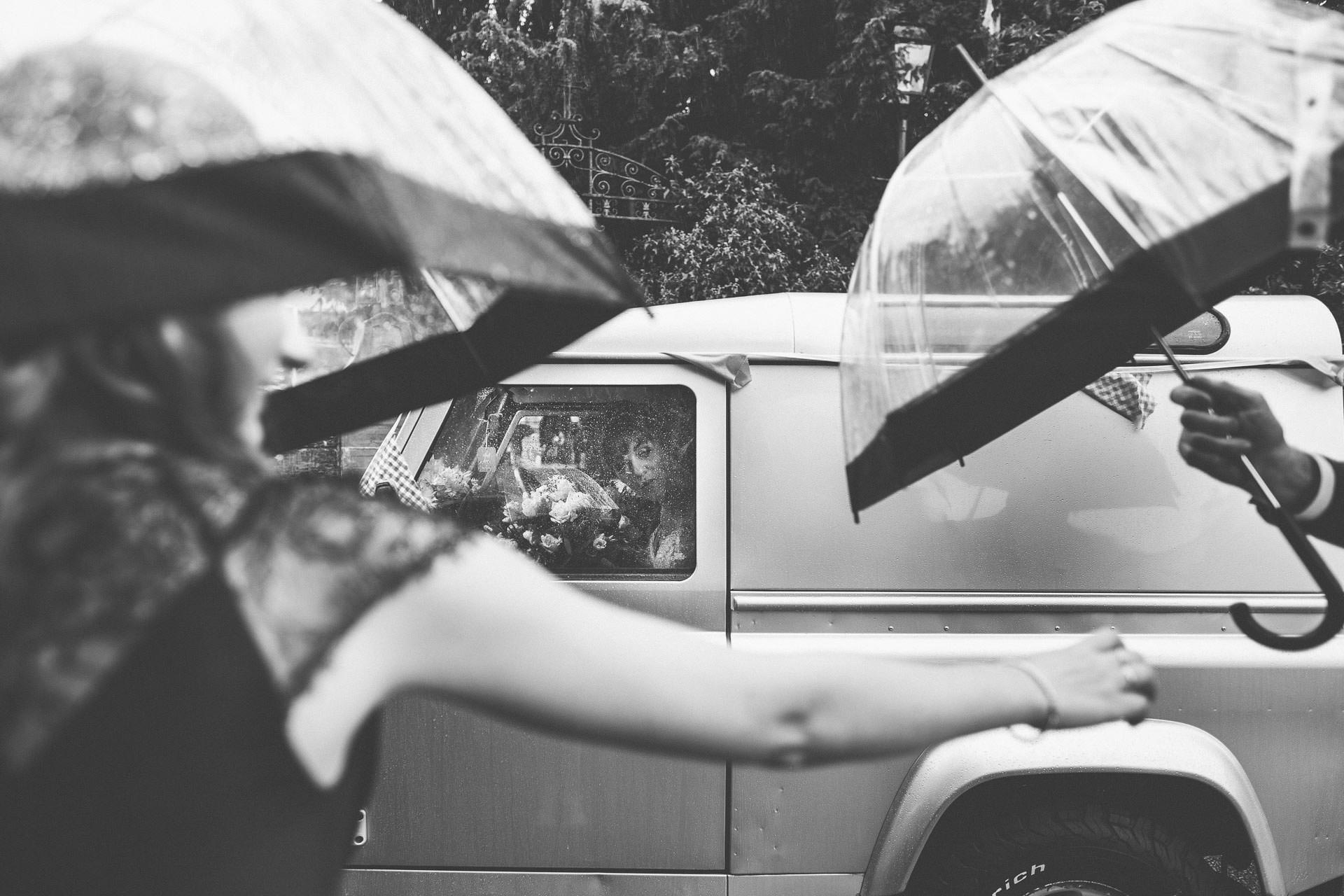 cheshire-rustic-farm-wedding-photography-helen-simon-37