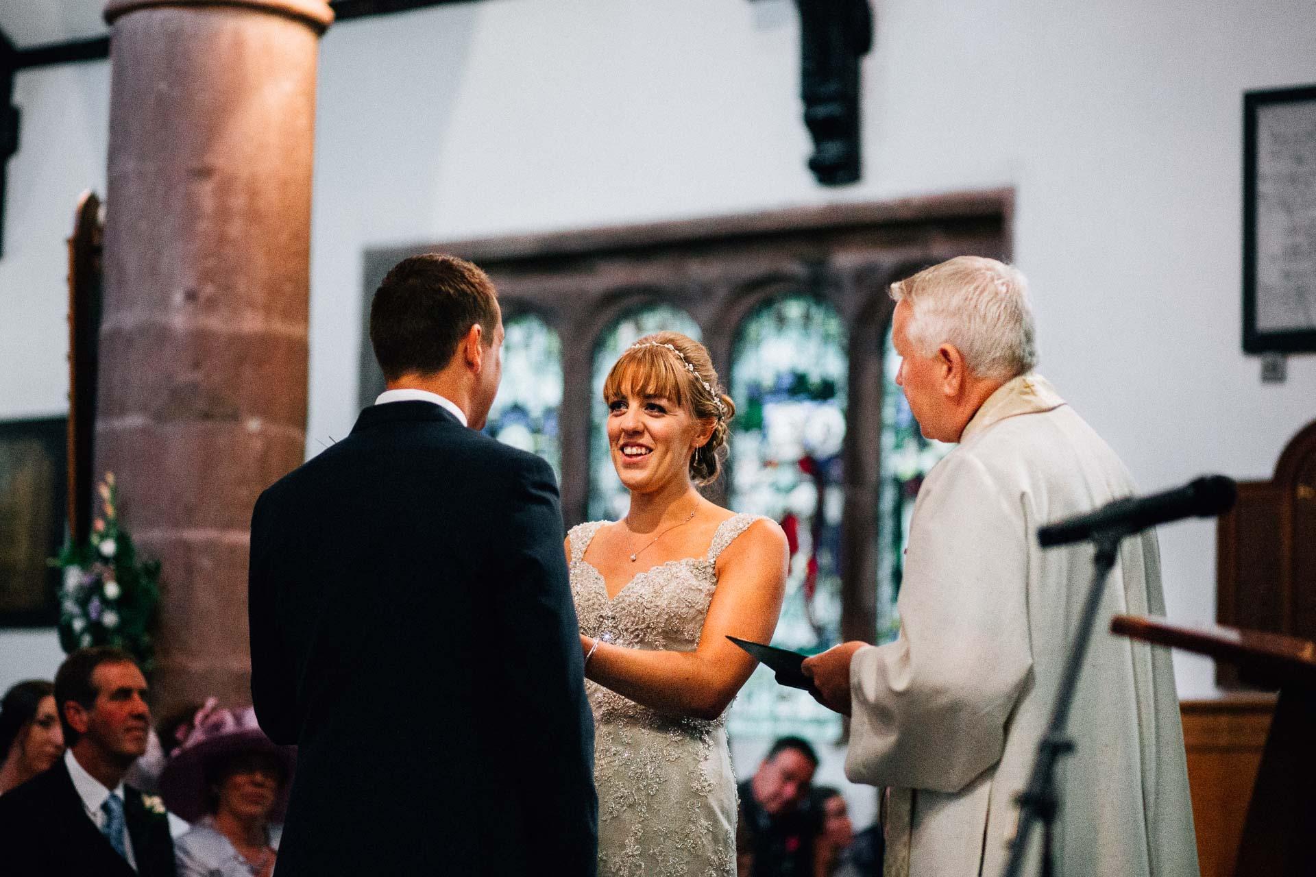 cheshire-rustic-farm-wedding-photography-helen-simon-44