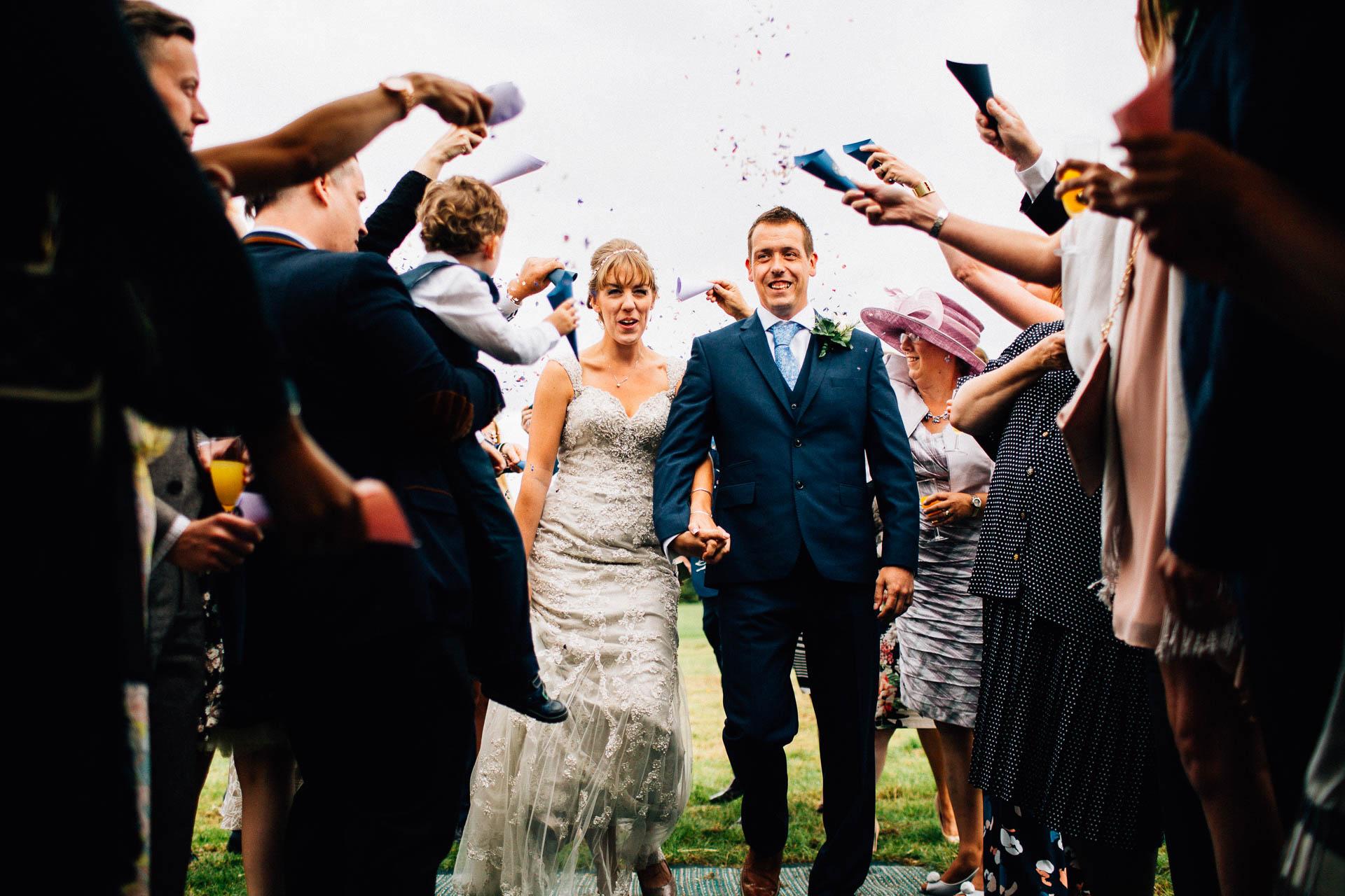cheshire-rustic-farm-wedding-photography-helen-simon-49
