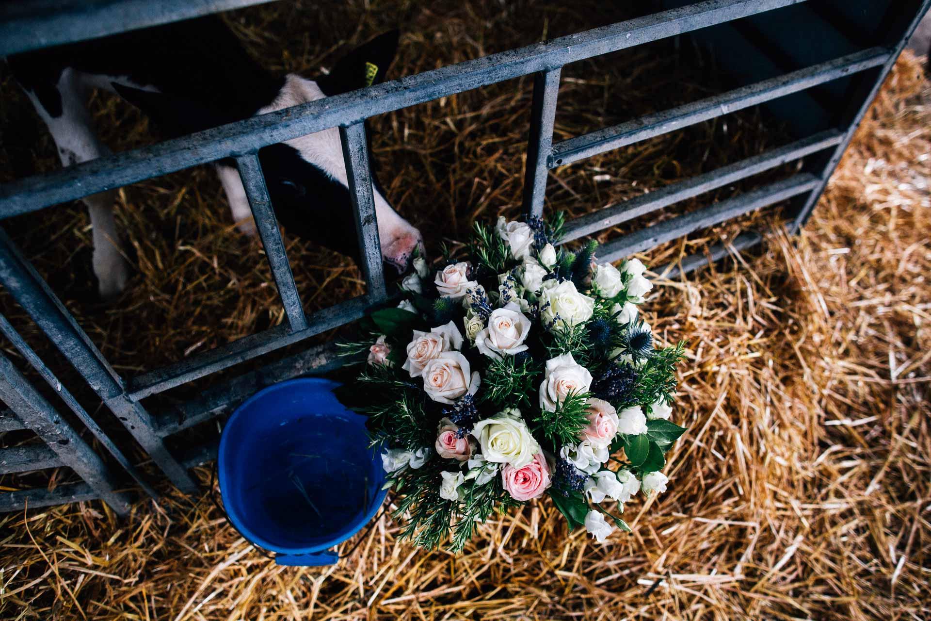 cheshire-rustic-farm-wedding-photography-helen-simon-56